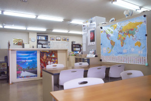 校内事務所風景